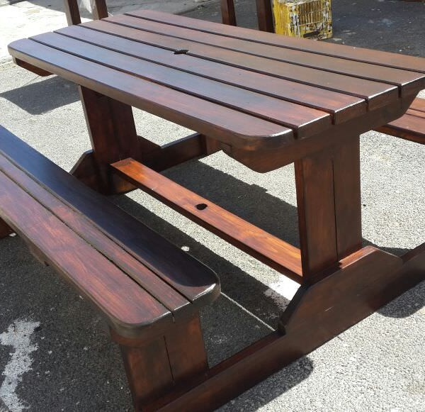 picnic-bench-walk-in-bench-outdoor-furniture-imbuia